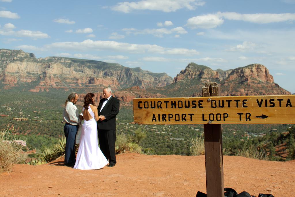 Sedona-airport-vortex-wedding-Sedona-wedding-photo