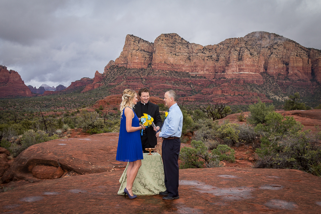 bell rock wedding in the rain