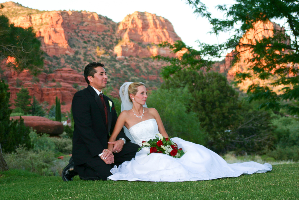 oak creek country club wedding on the golf course sedona wedding photo