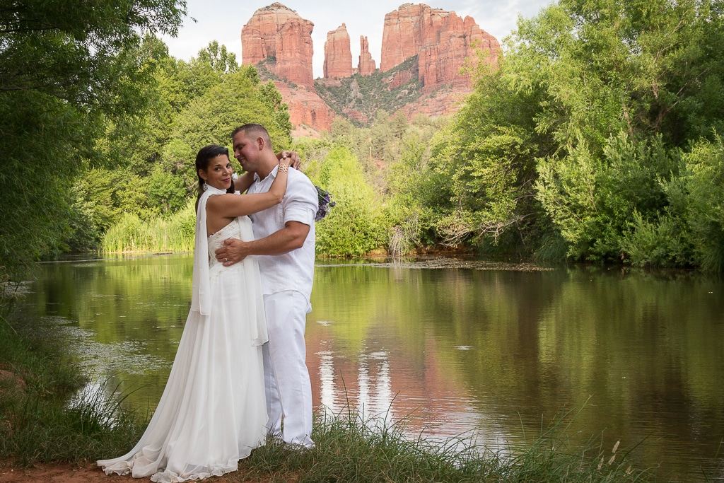 red rock crossing sedona wedding photo